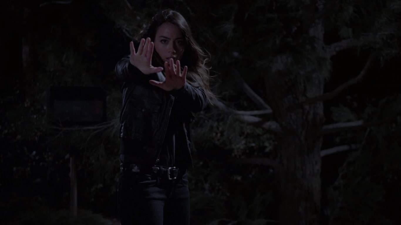 Su S.H.I.E.L.D. vs S.H.I.E.L.D. a medida que los nuevos poderes de Skye entran en duda. Los agentes durmientes están descubiertos y la comunidad más grande, Skye, ahora forma parte de los comienzos para revelarse.