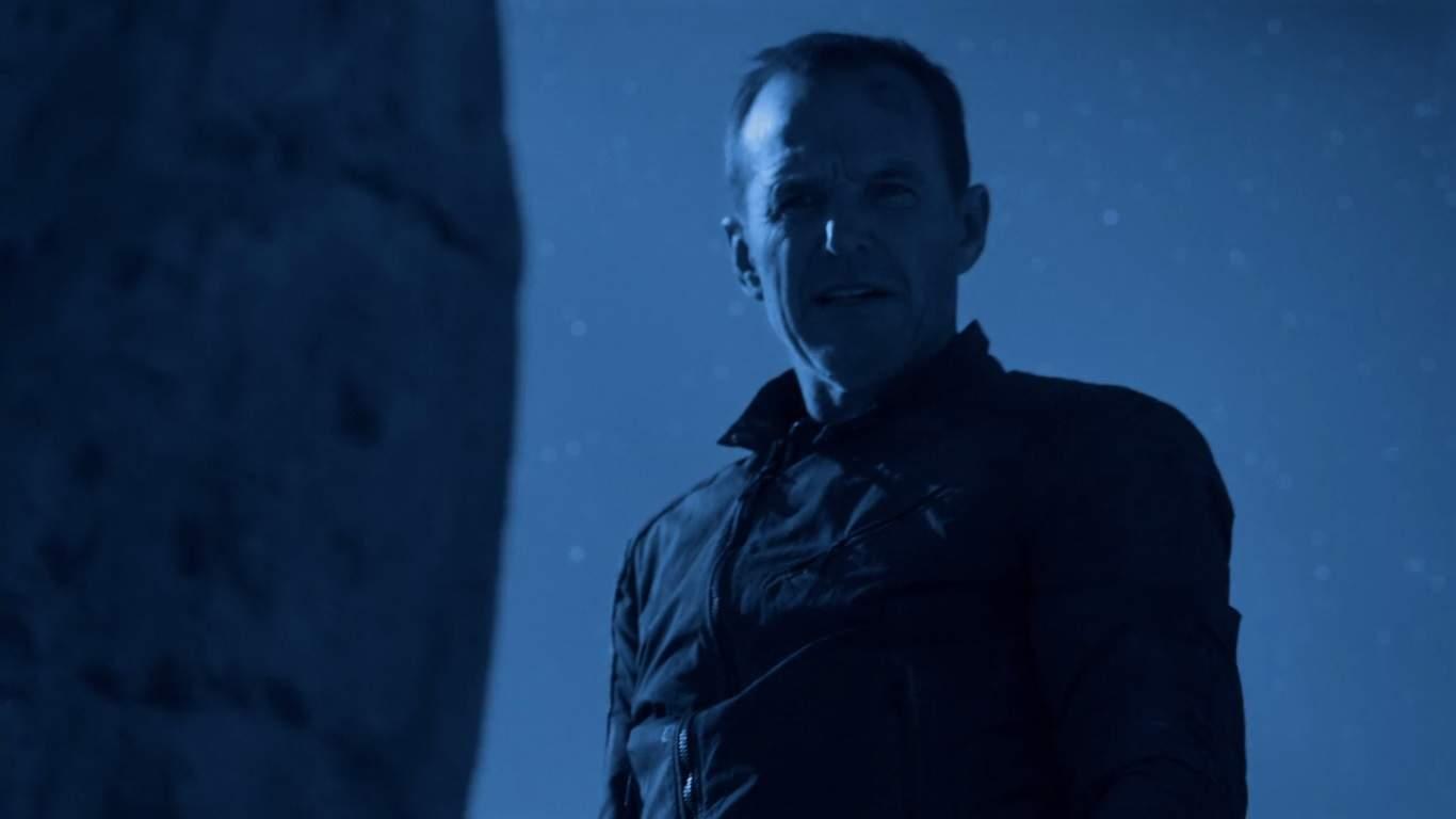 Como el resto de S.H.I.E.L.D. trata de traer a algunos agentes de Maveth, la agenda personal de Coulson lo supera y cambia la forma en que operará en el futuro. Justo cuando crees que sabes lo que está sucediendo, el programa cambia de qué se tratará la segunda mitad de la temporada 3.