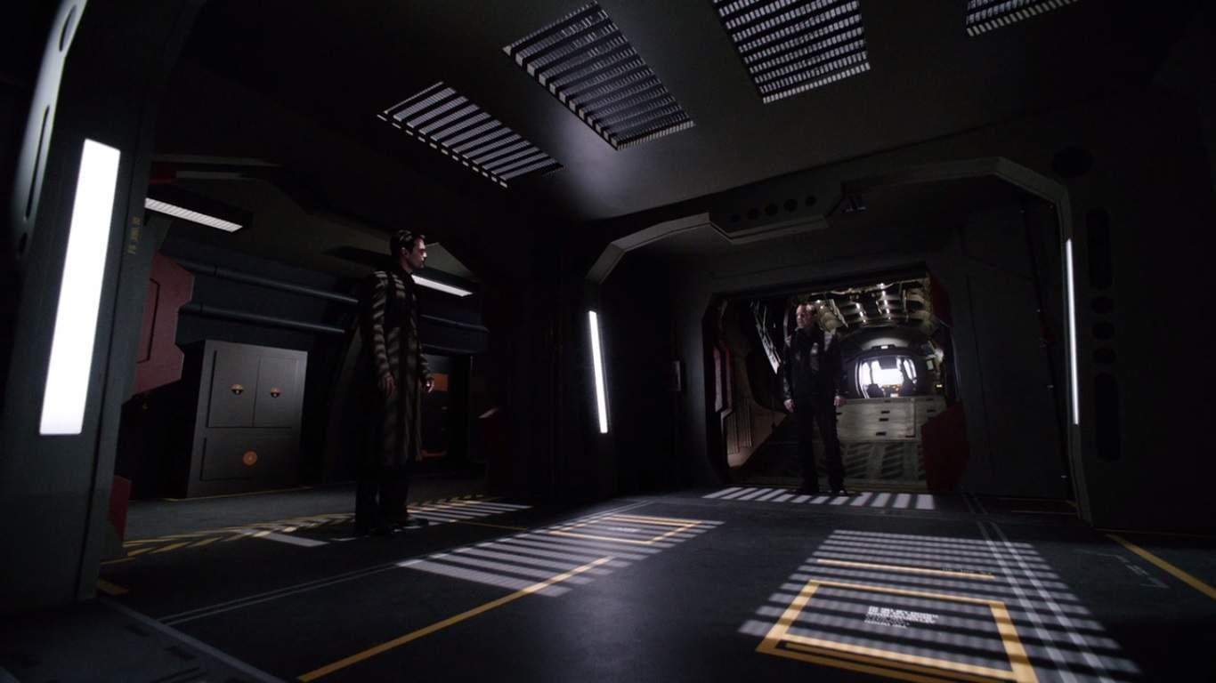 El malvado plan de Hive finalmente conduce a una confrontación con S.H.I.E.L.D. y se revela su verdadera forma. El episodio es responsable de no solo matar al menos a un personaje, sino también de preparar lo que vendrá la próxima temporada.