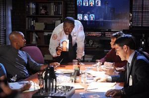 """Criminal Minds 6.06 """"Revisión de la Noche del Diablo"""""""