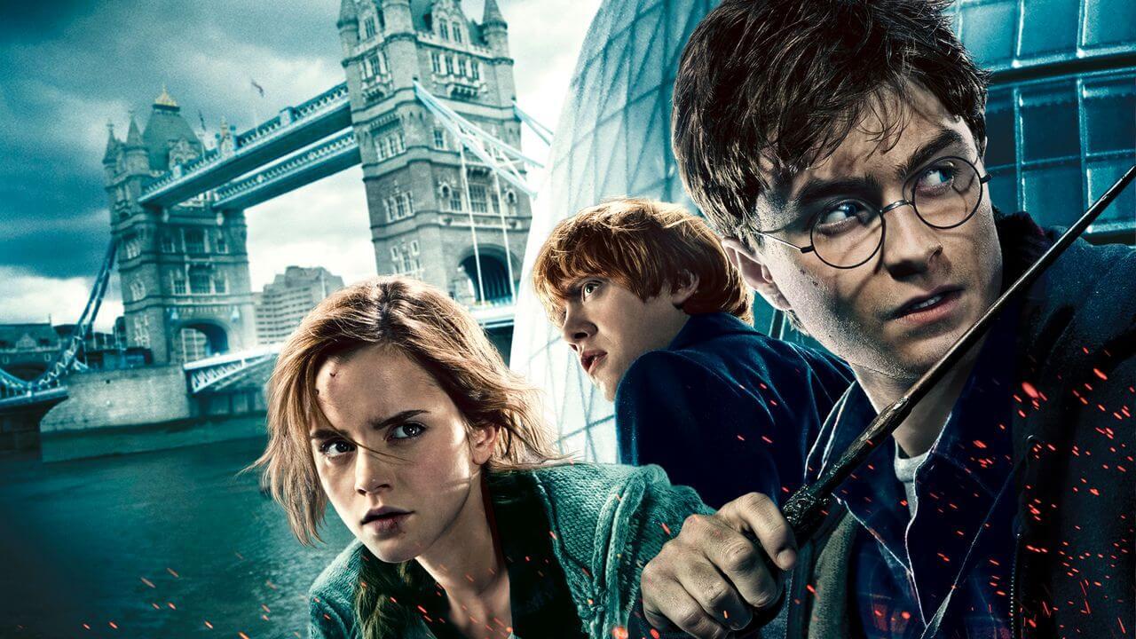 Lee mas     Películas Fans de Harry Potter enloqueciendo por Daniel Radcliffe leyendo el primer capítulo de los libros 6 de mayo de 2020