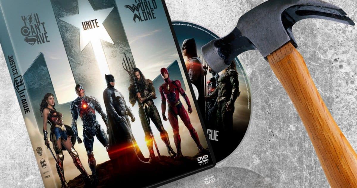 Los fanáticos de Zack Snyder de todo el mundo están destruyendo sus DVD de la Liga de la Justicia